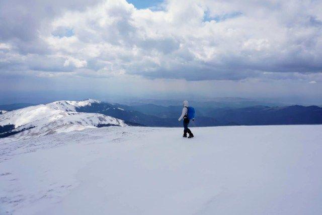 Descending from Leaota Peak