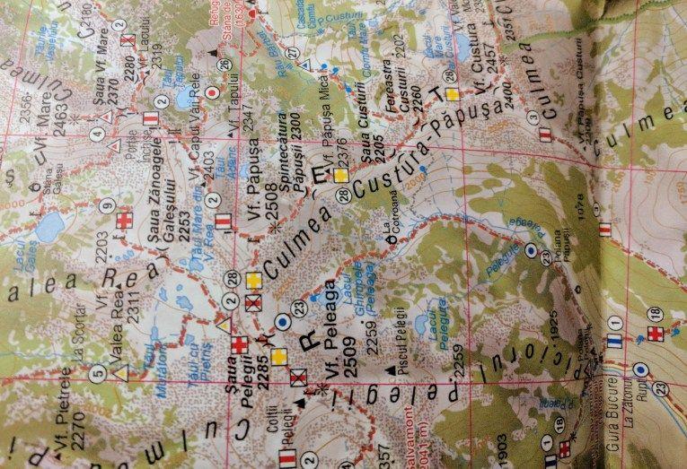 Paper map (muntii-nostri.ro)