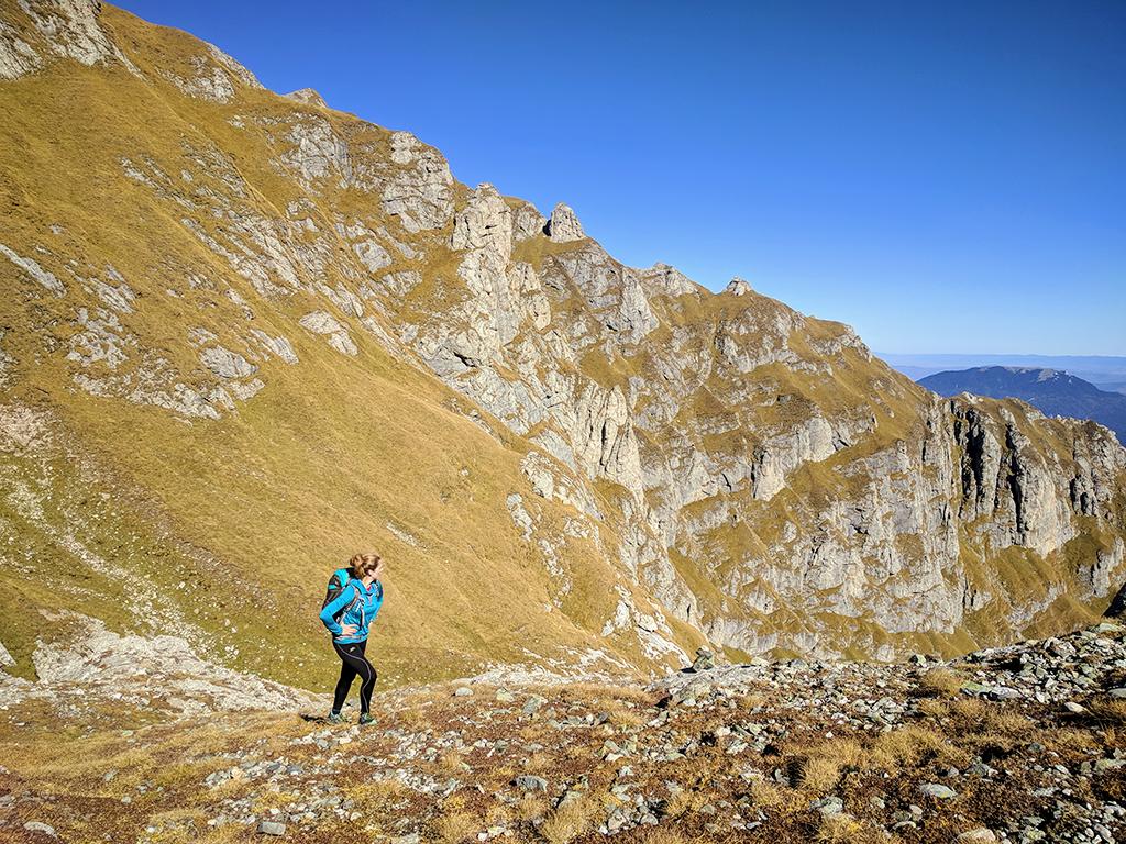 Climbing toward Omu Peak